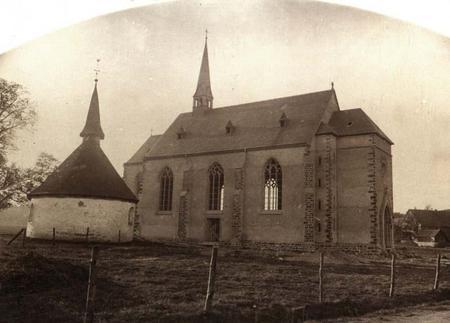 Iseringhauser Kirche und alte Kapelle