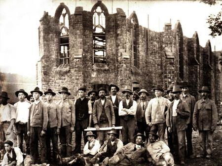 Bau der Kirche 1908