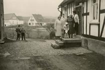 """Blick auf """"alte Schule"""" und Haus von Clemens Hoffmann"""